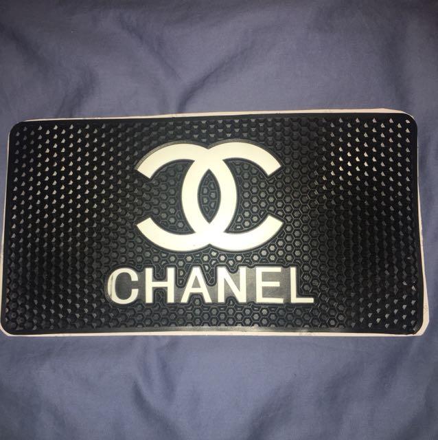 Chanel non slip pad