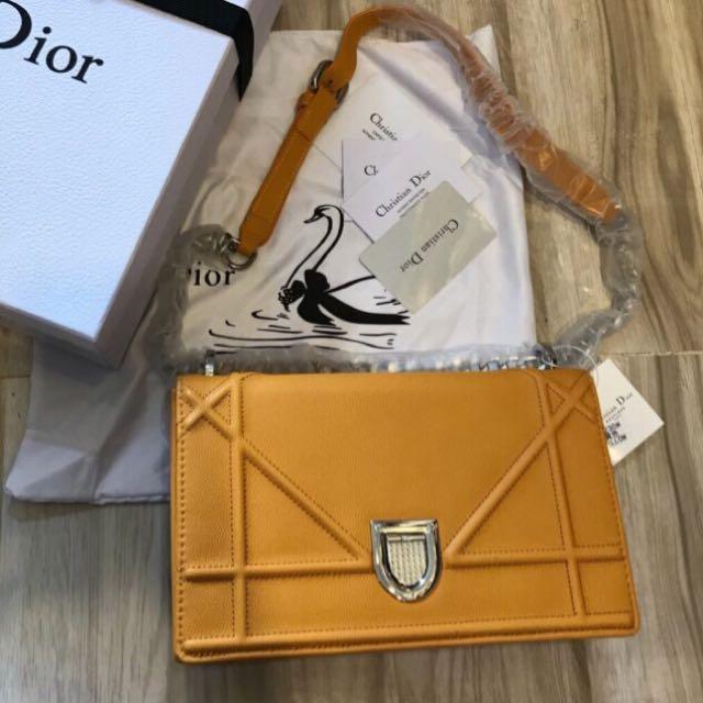 Diorama Flap Bag (Yellow, Black, Pink, Maroon)