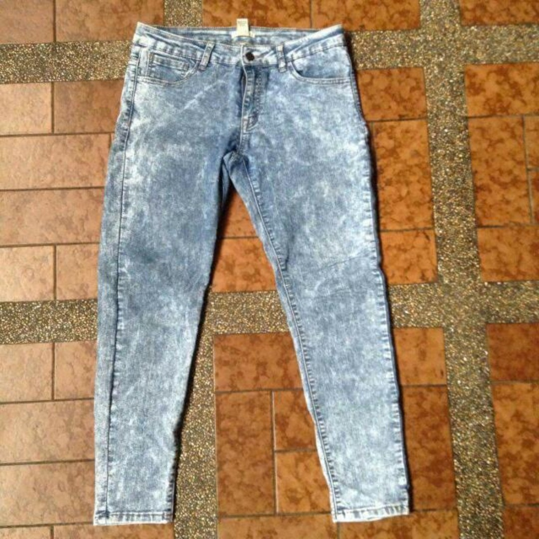 Forever 21 Acid Washed Cropped Jeans