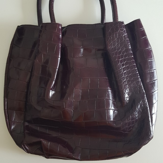 e180780dcc FURLA Burgundy Embossed Leather Bag, Women's Fashion, Bags & Wallets on  Carousell