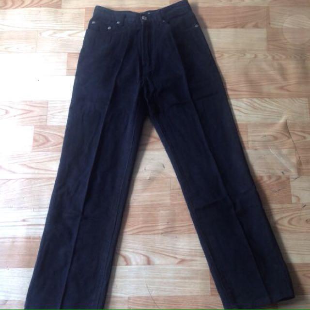 high waisted black boyfriend jeans