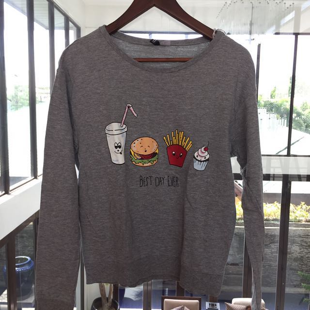 """H&M """"Best Day Ever"""" grey sweater"""