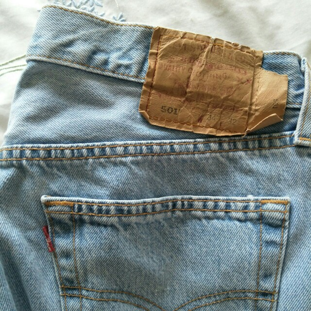 Levi 501 mom jeans