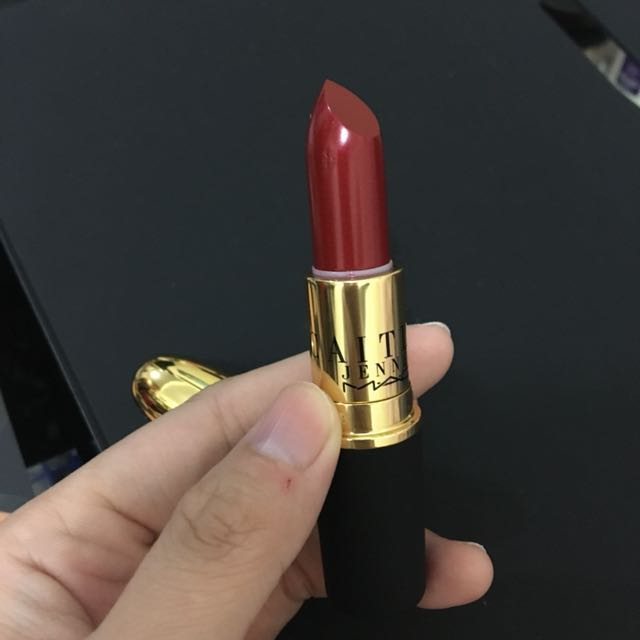 Mac Caitlyn Jenner Authentic Red