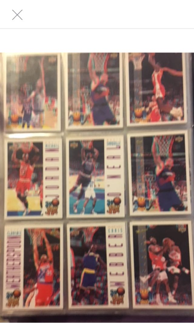 NBA AUTHENTIC TRADING CARDS FOLDER WITH LIMITED EDITION CARDS