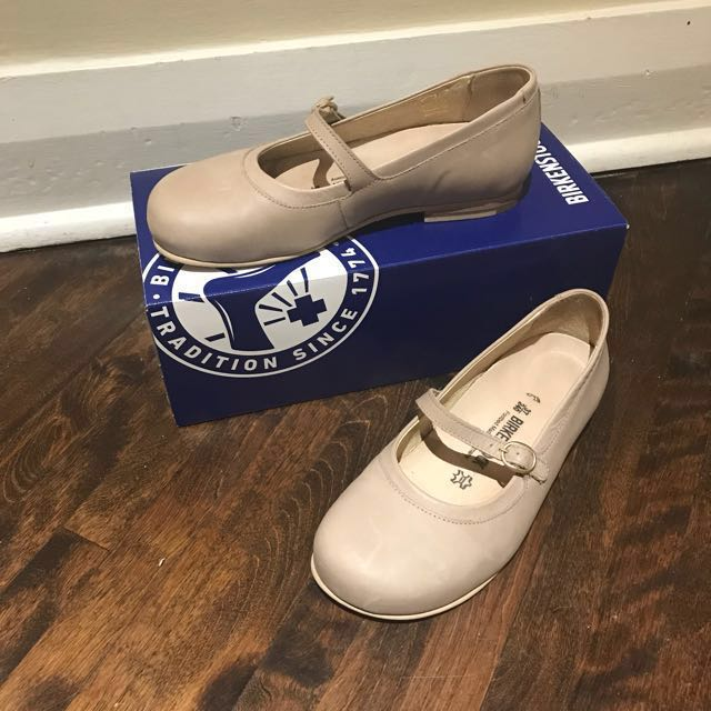 NEW Birkenstock shoes
