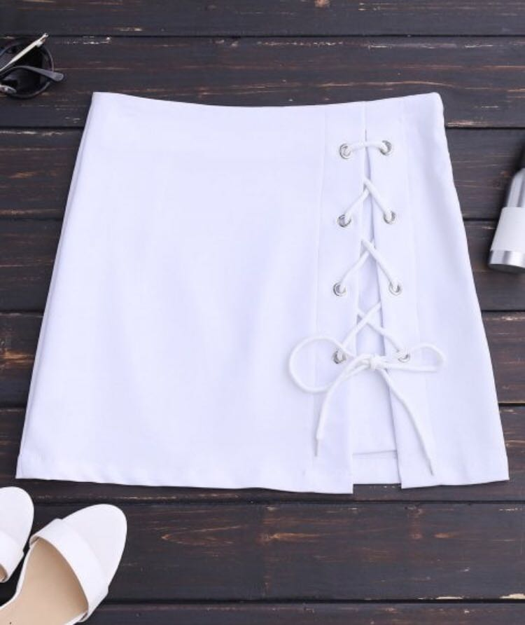 NEW Zaful White Skirt with lace up detail size small