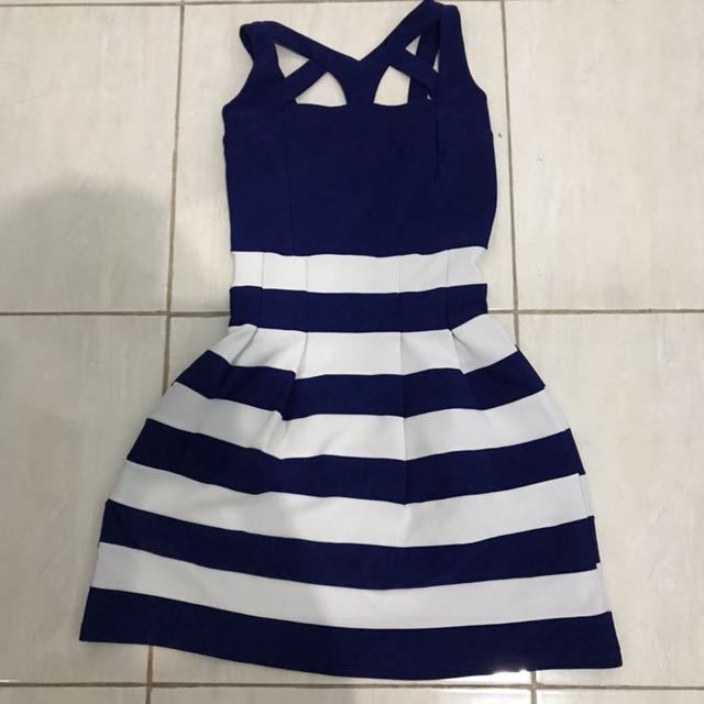 Nyla stripe garis biru blue white putih