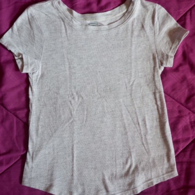Old navy plain T shirt (gray)