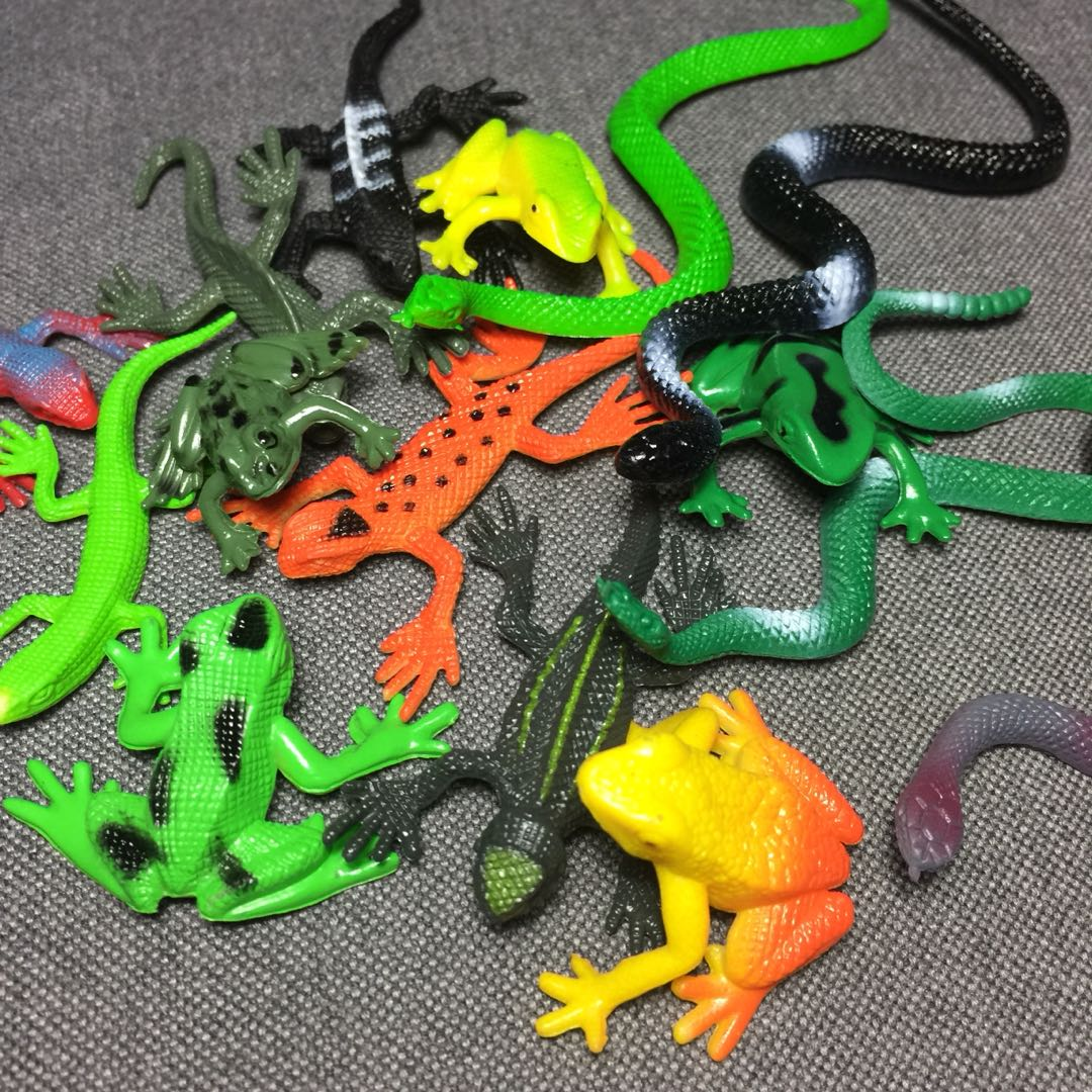 Plastic Insects, Dinos, Reptiles