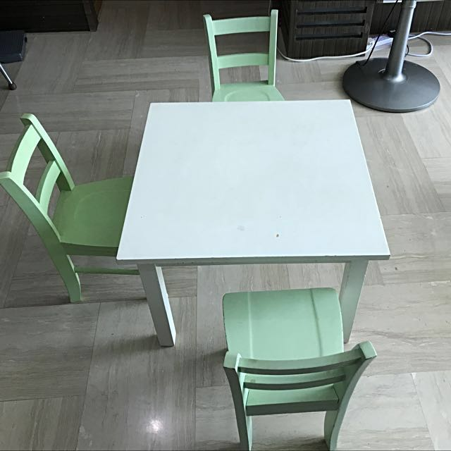 Stupendous Pre Owned Pottery Barn Kids My First Play Table 2 Chairs Spiritservingveterans Wood Chair Design Ideas Spiritservingveteransorg