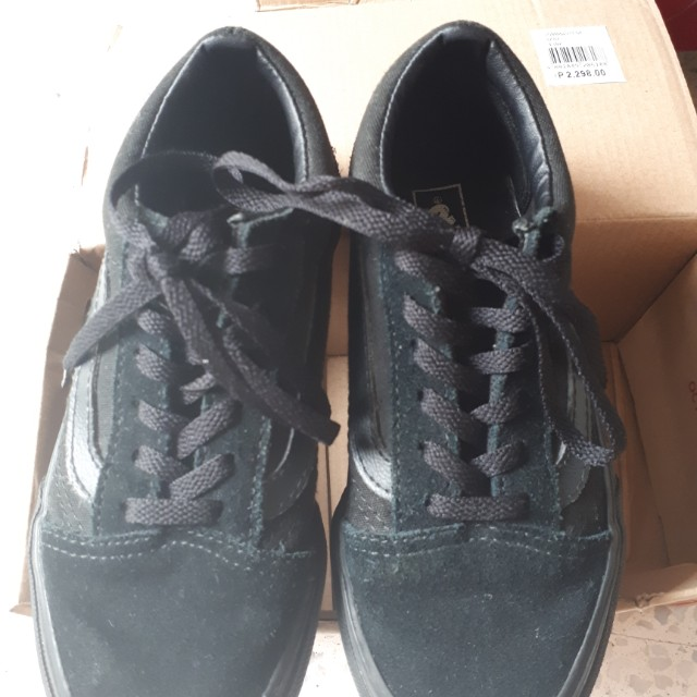 7a2f8a5ea57 Preloved Rubber shoes