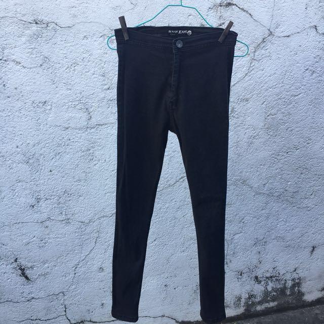 Punny Black HW Jeans