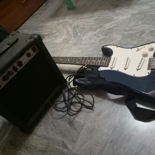 RJ stratocaster and amplifier
