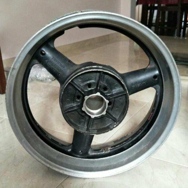 Suzuki Hayabusa Rear wheel rim GSXR1300 GSXR