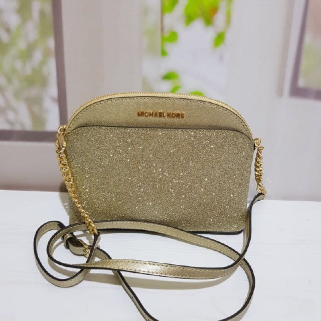 b851e509e27c93 Tas Michael Kors Emmy cross body, Women's Fashion, Women's Bags & Wallets  on Carousell