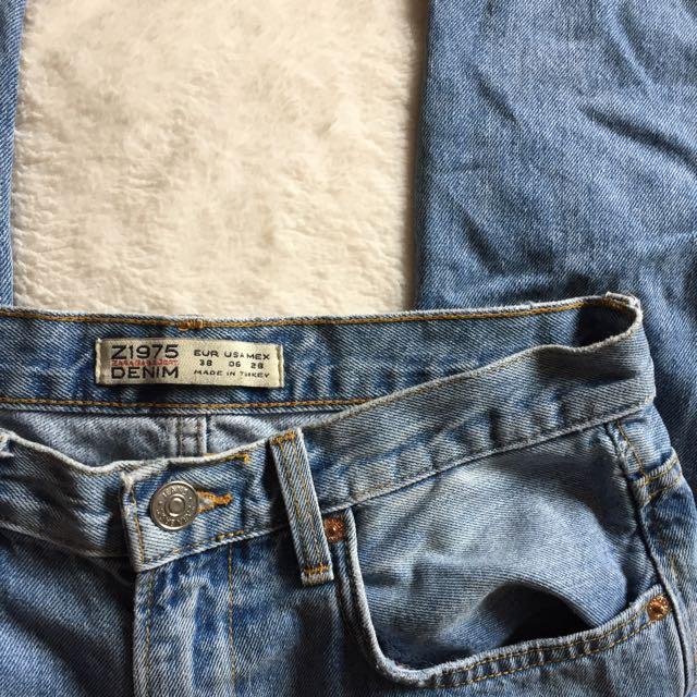 Zara Light-wash Jeans
