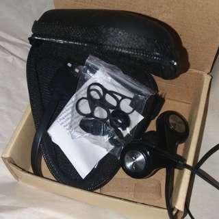 Sports wireless Bluetooth earphones great price lightweight BNIB