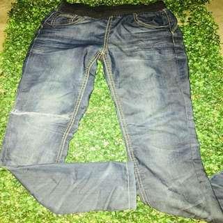 Pants 27-28