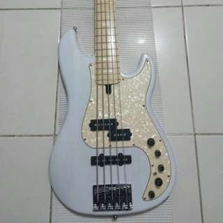 Sire P7 ash-maple precision and jazz bass