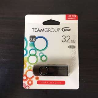 Team Color Turn 32 GB USB