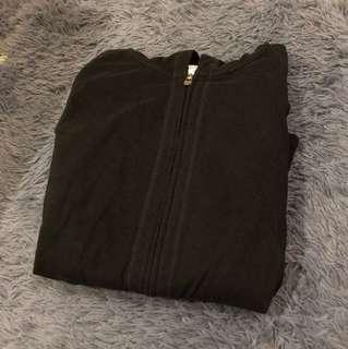 素色黑色外套