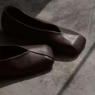 Mess age 疊線方頭平底鞋