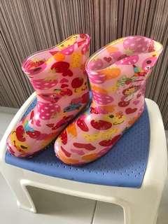 BN rain boots