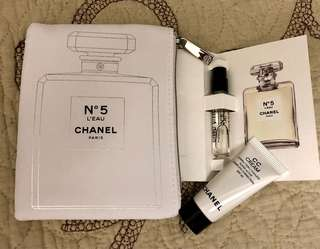 Chanel N5 pouch + perfume
