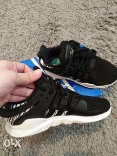 Original Adidas shoes for kid size 13 1/2