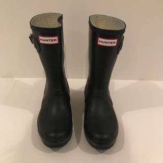Size 6 Female Hunter Boots (short)
