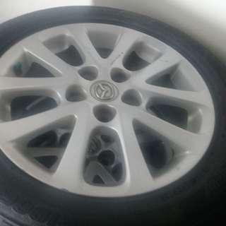 Velg original Mazda5 R16 plus ban bridgestone kondisi 90%