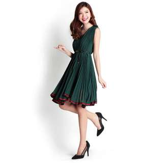 Lilypirates cameilla pleated dress in forest green