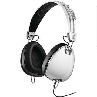 Skullcandy headphones (white)