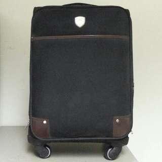 Pierre Ride 黑色行李喼
