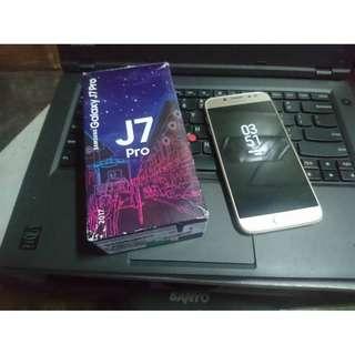 FS/FT - J7 Pro 32gb semi Complete - 12k
