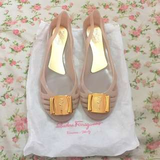 Salvatore ferragamo jelly shoes nude