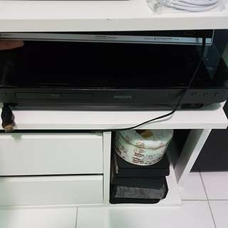 Philips home theatre system with bluray