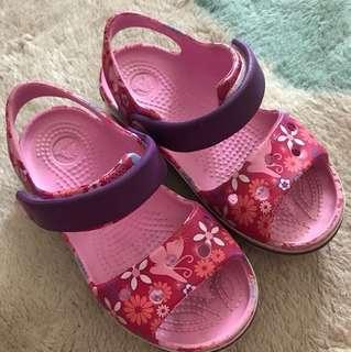 Crocs girls sandal size C 9