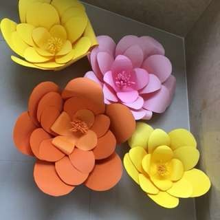 Paper flowers for party deco