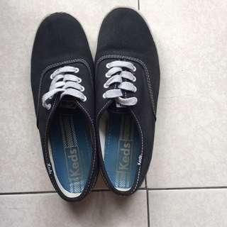 Keds帆布鞋