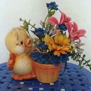 Duck deco with flower