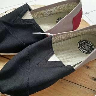 Sepatu wakai wanita size 37 only new