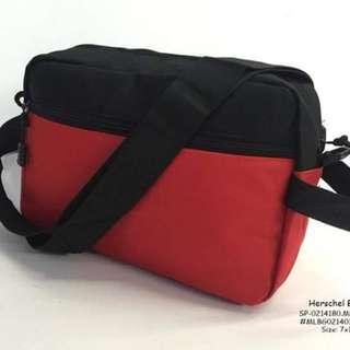 Herschel bag size : 7*11 inches