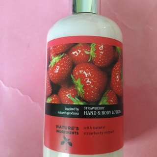 💙 M & S STRAWBERRY LOTION