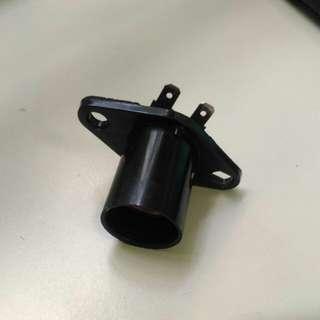 Light bulb holder