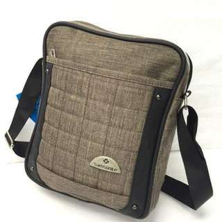 Samsonite sling bag size : 9*11 inches