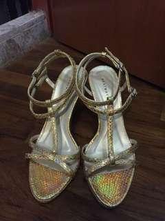 Heatwave golden strappy heel