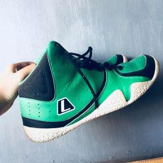 sepatu Basket Leauge Original used once