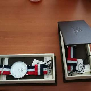 Daniel Wellington couple watch for sell